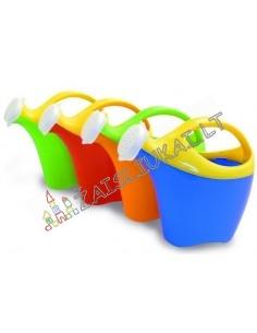 Nedidelis vaikiškas plastikinis laistytuvas