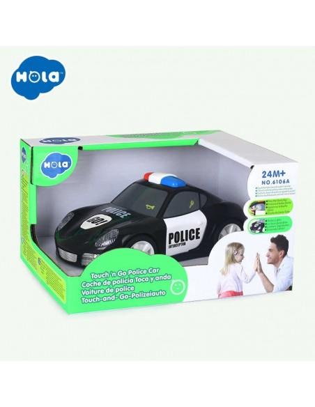 Žaidžianti su vaiku tvirta policijos mašina su šviesos efektais