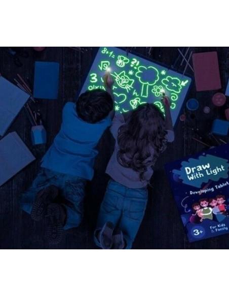 Kūrybinis rinkinys 2 viename - lenta skirta piešti šviesa ir nutrinamu markeriu