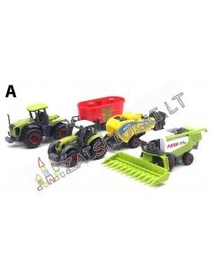 Didelis rinkinys mažų modeliukų - Žemės ūkio technika su priekaba