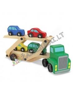 Medinis tralas su automobiliukais